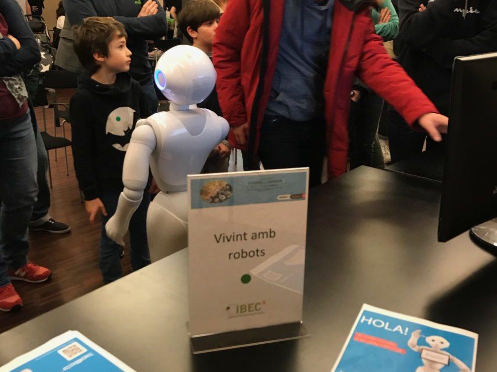 """""""Vivint Amb Robots""""  with SPECS- lab at the """"Biennal Ciutat i Ciencia"""", Barcelona"""